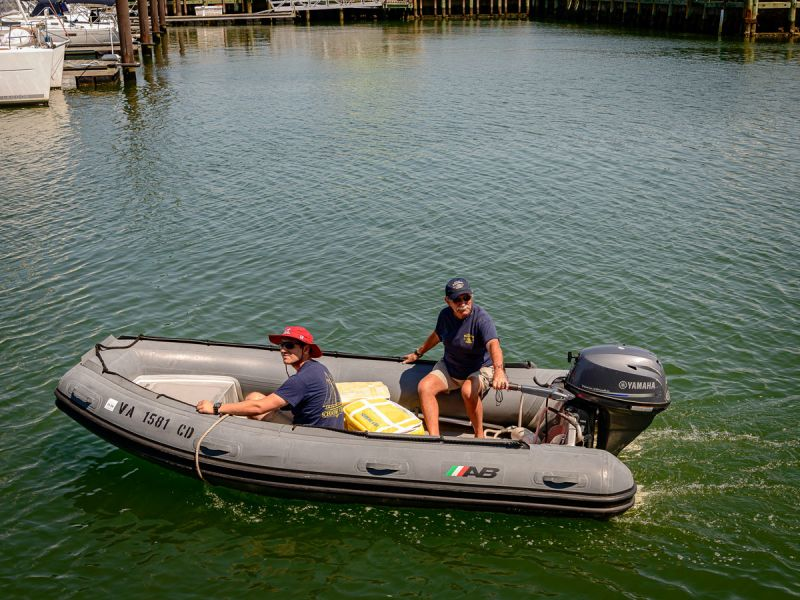 cruise-crew-in-outboard-3740.jpg