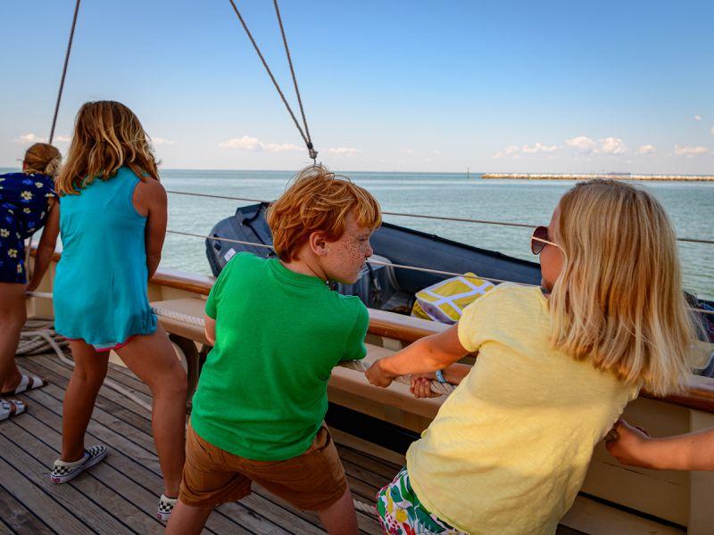 cruise-kids-weigh-anchor-3819.jpg