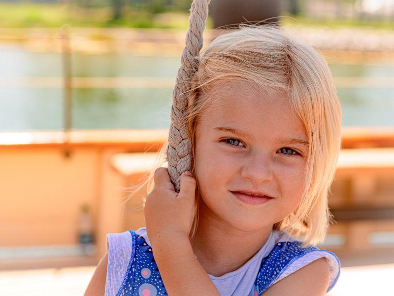 cruise-little-girl-4072.jpg