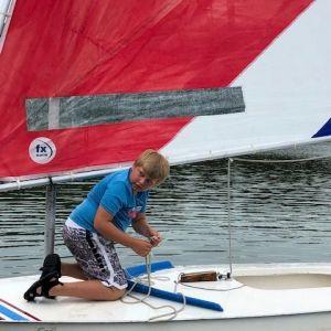 wk2 camper rigging his boat
