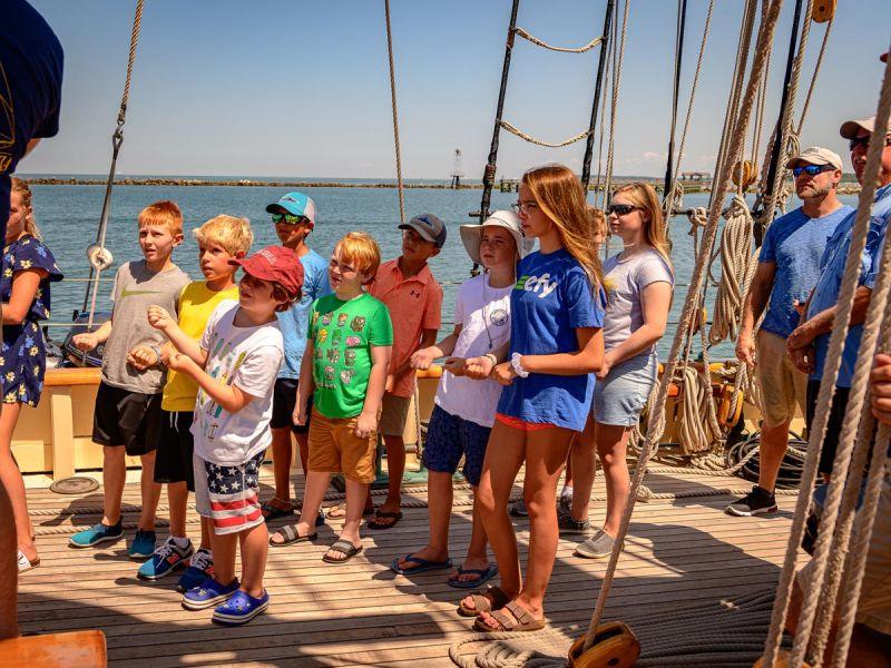 cruise-kids-listen-to-captain-3790.jpg